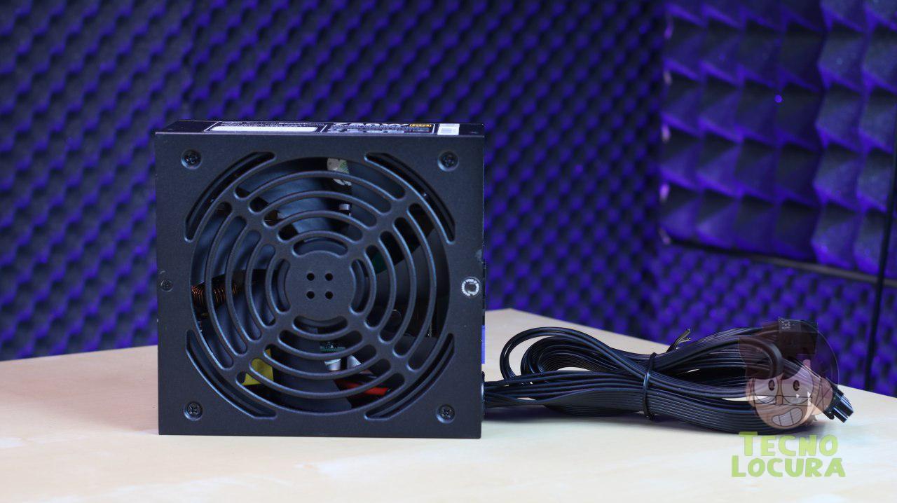 SilverStone ET750-HG - Ventilador incluido de 140mm con excelente flujo de aire y baja sonoridad