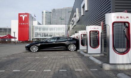 Tesla ya no suministrará electricidad gratuita y aumenta su precio