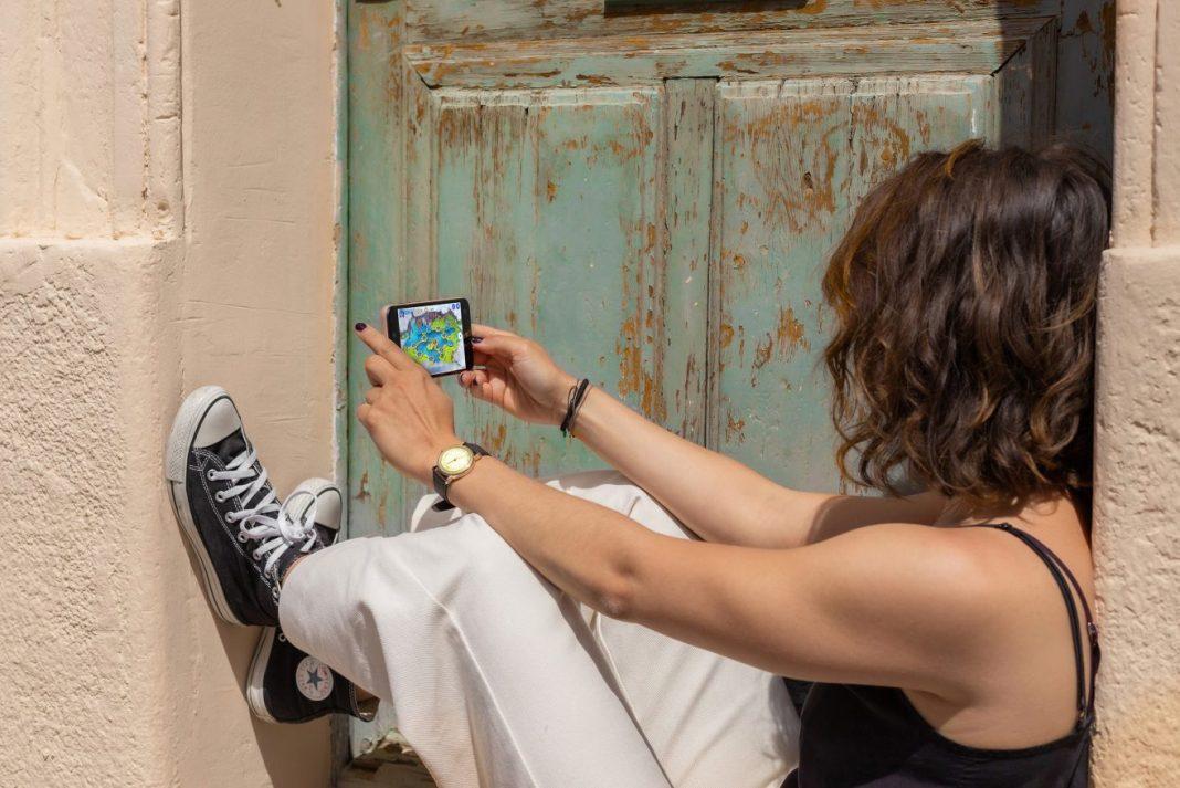1 de cada 3 jóvenes pasa 6 horas diarias pegado al smartphone