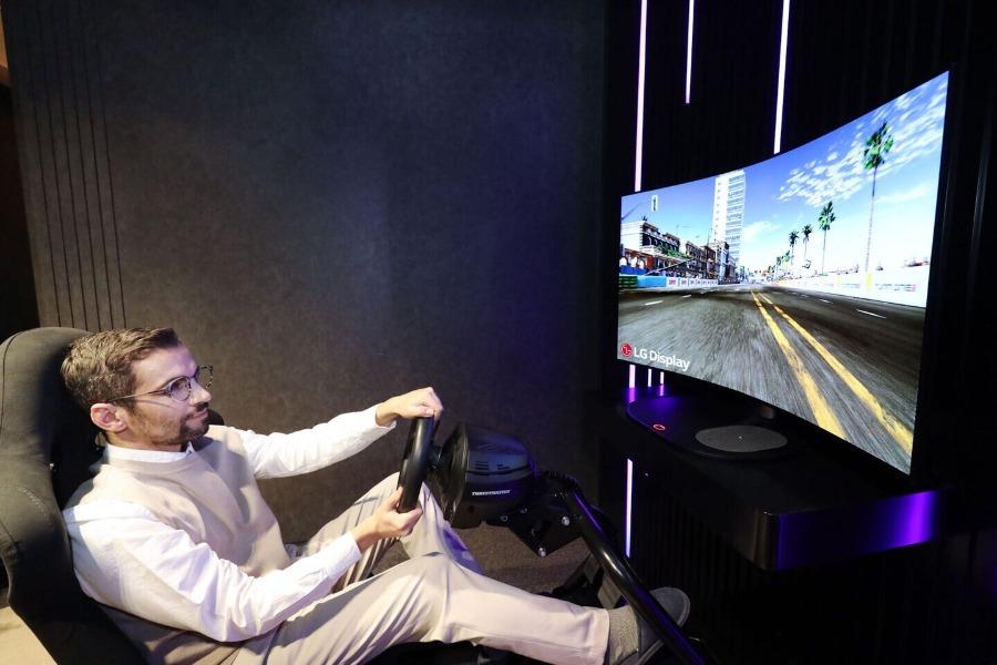 LG Display presenta la primera pantalla OLED flexible con sonido cinemático