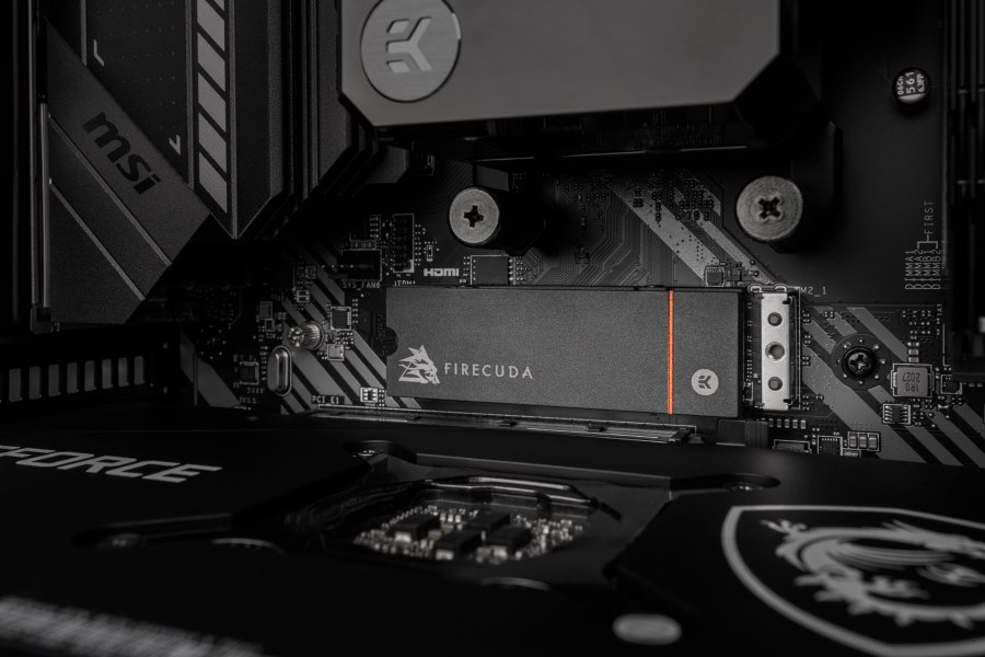 Firecuda 530 SSD con disipador de calor EK funciona en PS5